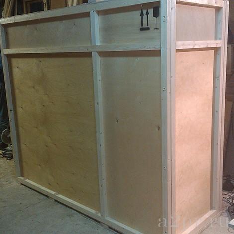 Большой деревянный контейнер